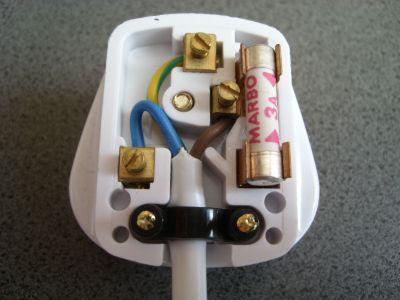 3 pin plug anjung sains makmal 3 rh anjungsainssmkss wordpress com 3 pin plug wiring diagram usa 3 pin plug wiring colours